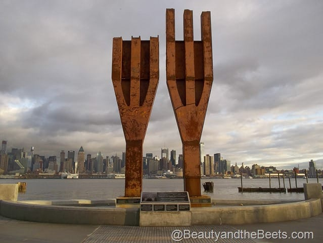 http://beautyandthebeets.com/wp-content/uploads/2013/10/9-11-Memorial-Weehawken.jpg