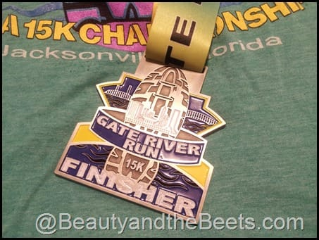 2014 Gate River Run shirt and medal