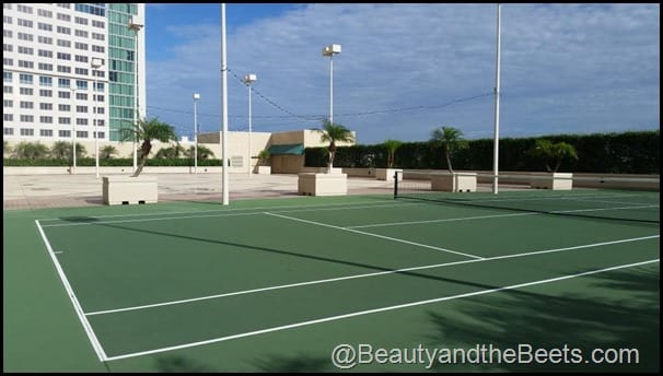 Hyatt Regency tennis courts