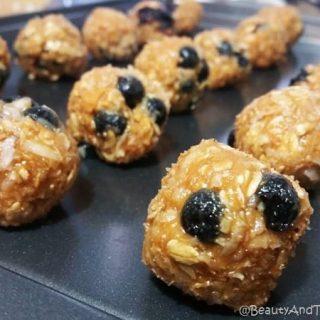 Maple, Blueberry & Oatmeal Energy Bites