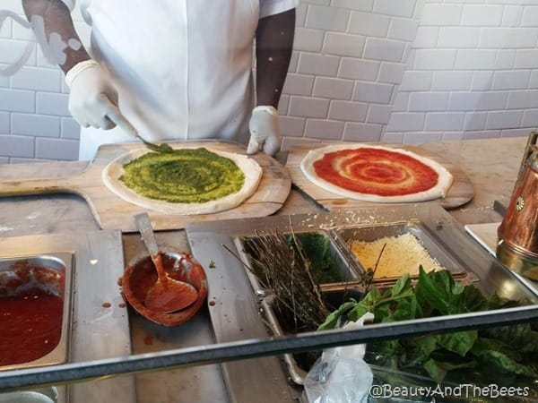 800 Degrees Pizza line Las Vegas Beauty and the Beets