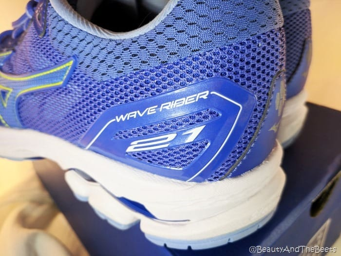 Mizuno Wave Rider 21 Beauty and the Beets (8)