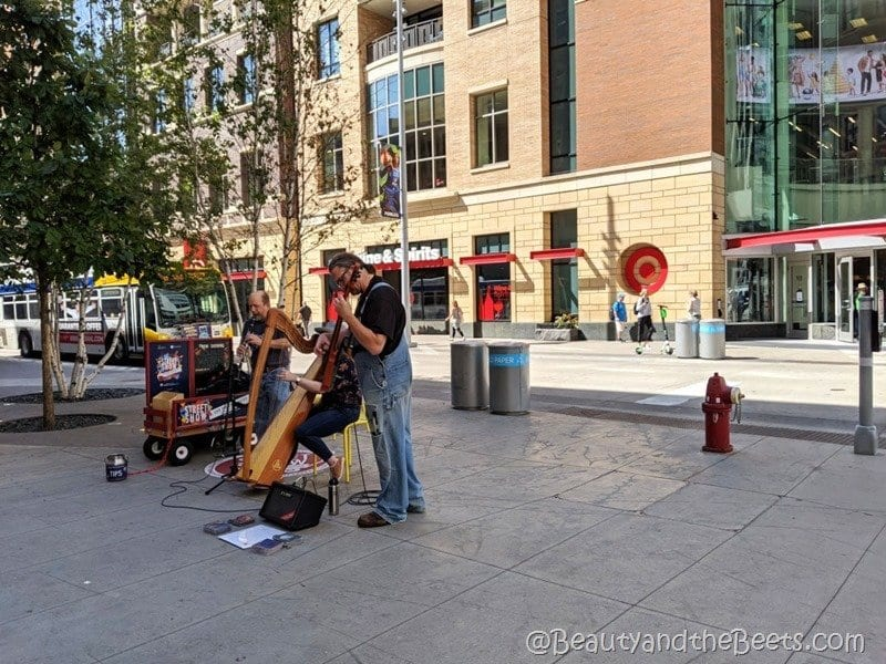 Minneapolis street musicians Beauty and the Beets